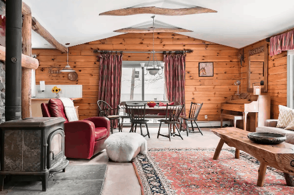 Airbnb in the New York woods