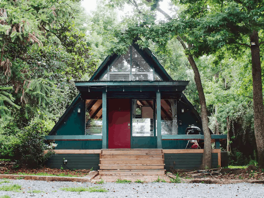 Alabama cabin rental in the woods