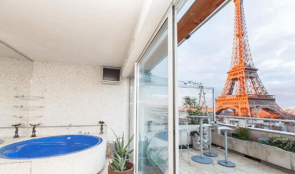 Airbnb Paris Eiffel Tower view