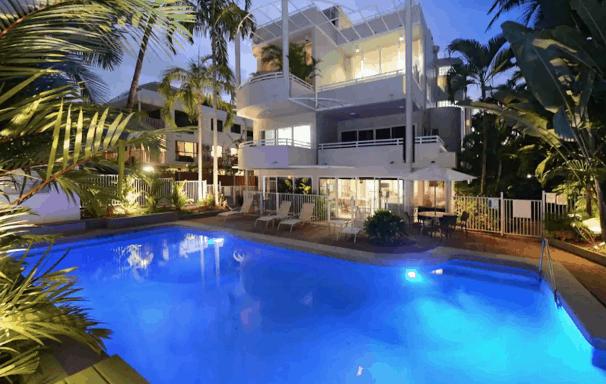 Airbnb rental Apartment Port Douglas